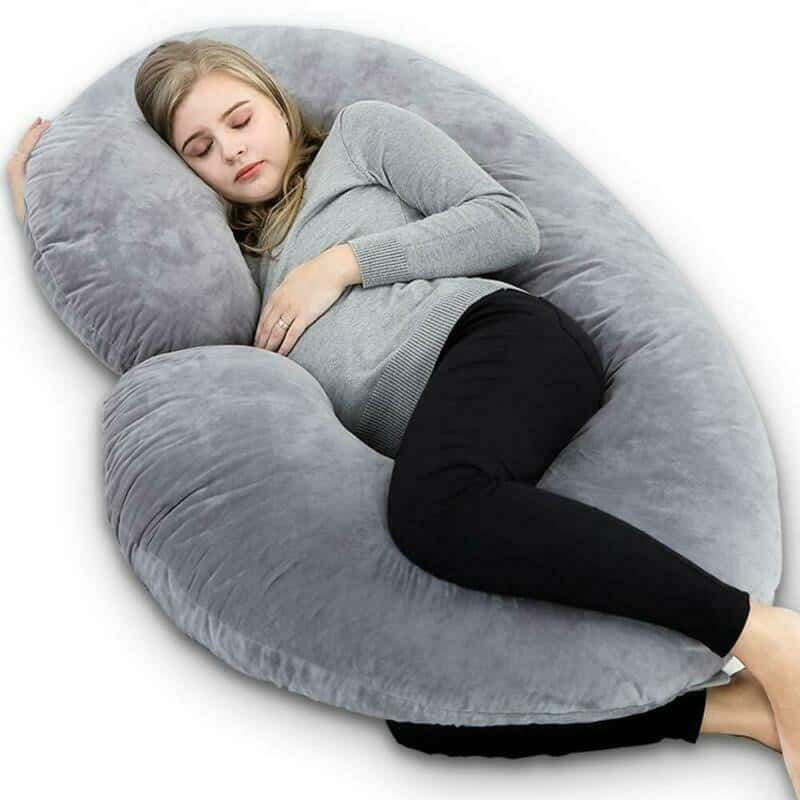 how to sleep with a pregnancy pillow 6