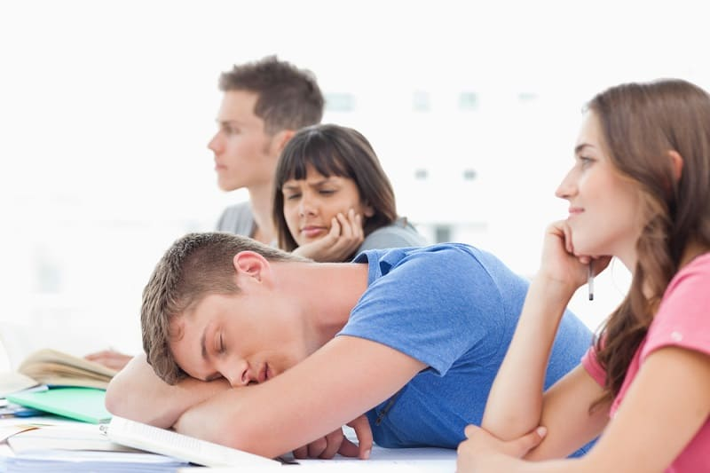 How Much Sleep Do College Students Need short