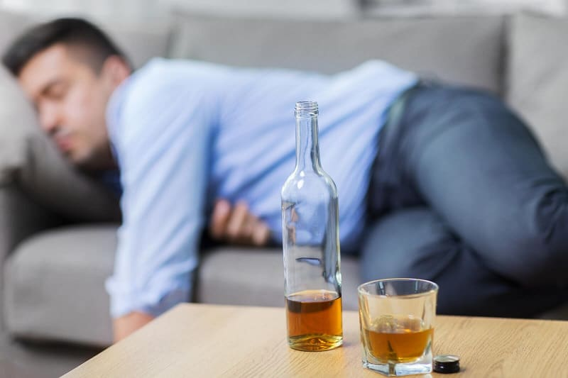 alcohols disrupts sleepiness