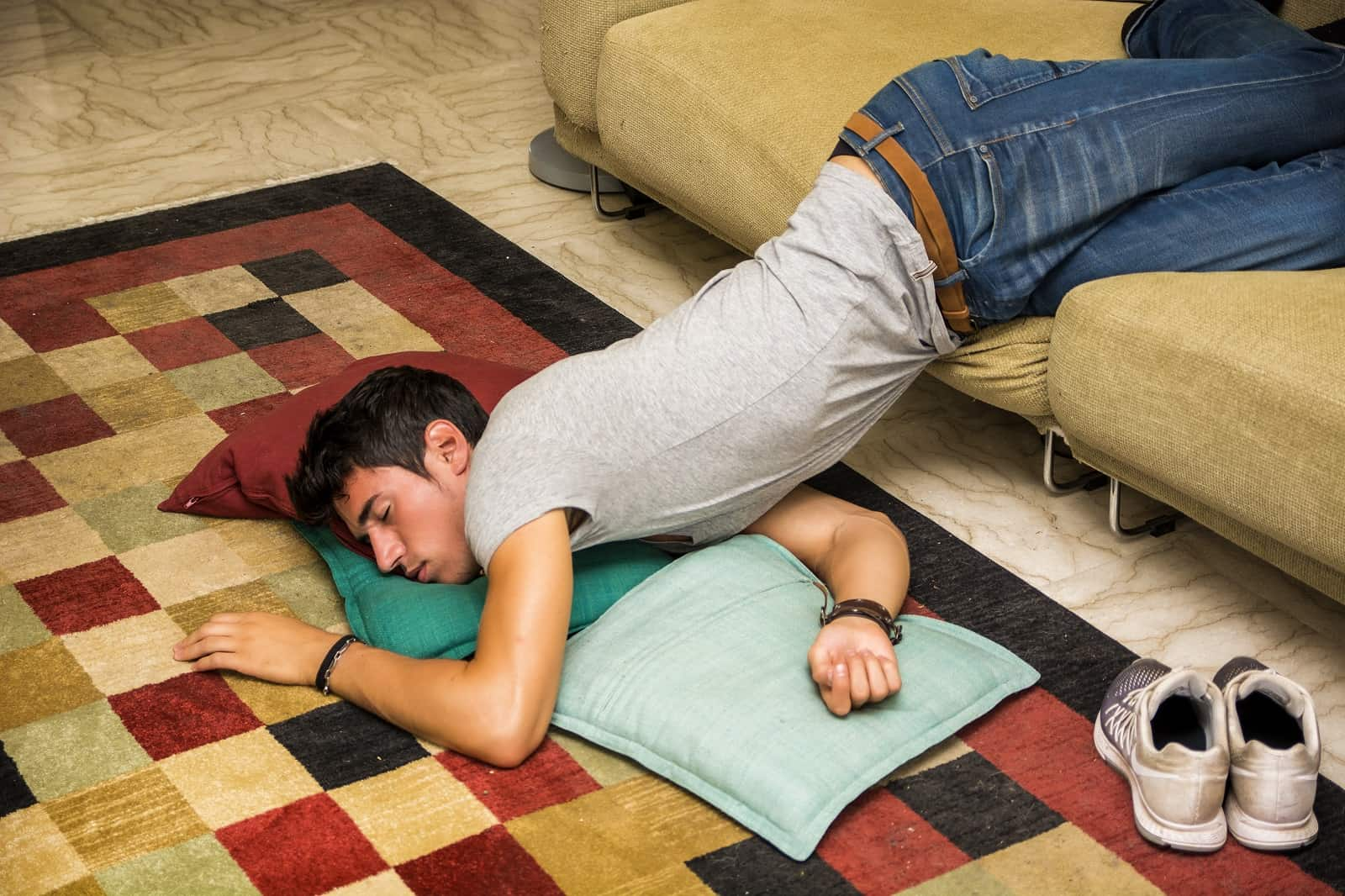 How To Train Yourself To Sleep On Your Back Not Just As Simple As A Good Mattress Terry Cralle