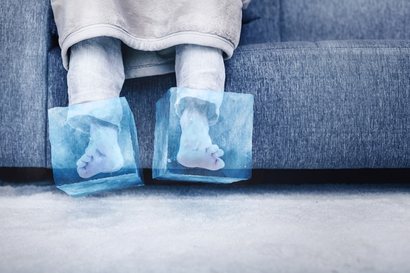 Reasons and Solutions to Cold Feet in Bed ice