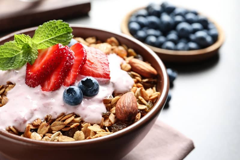 Benefits Of Snacking On Yogurt Before Bed